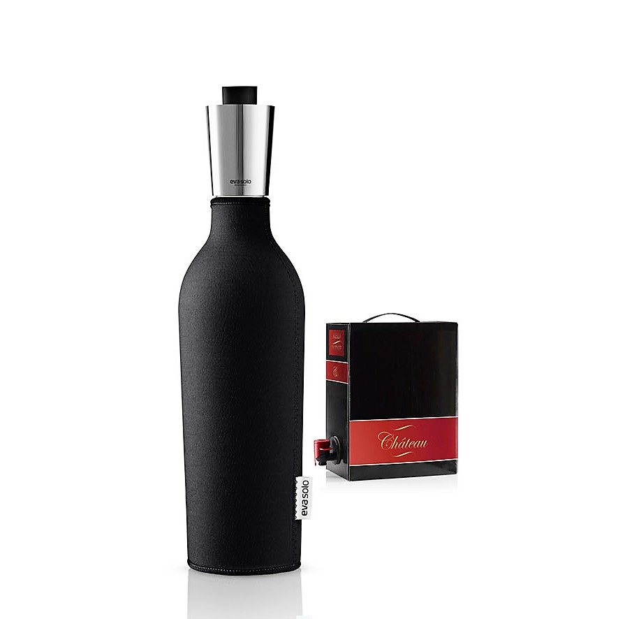 eva solo wine bar accessory wine carafe with neoprene cover. Black Bedroom Furniture Sets. Home Design Ideas