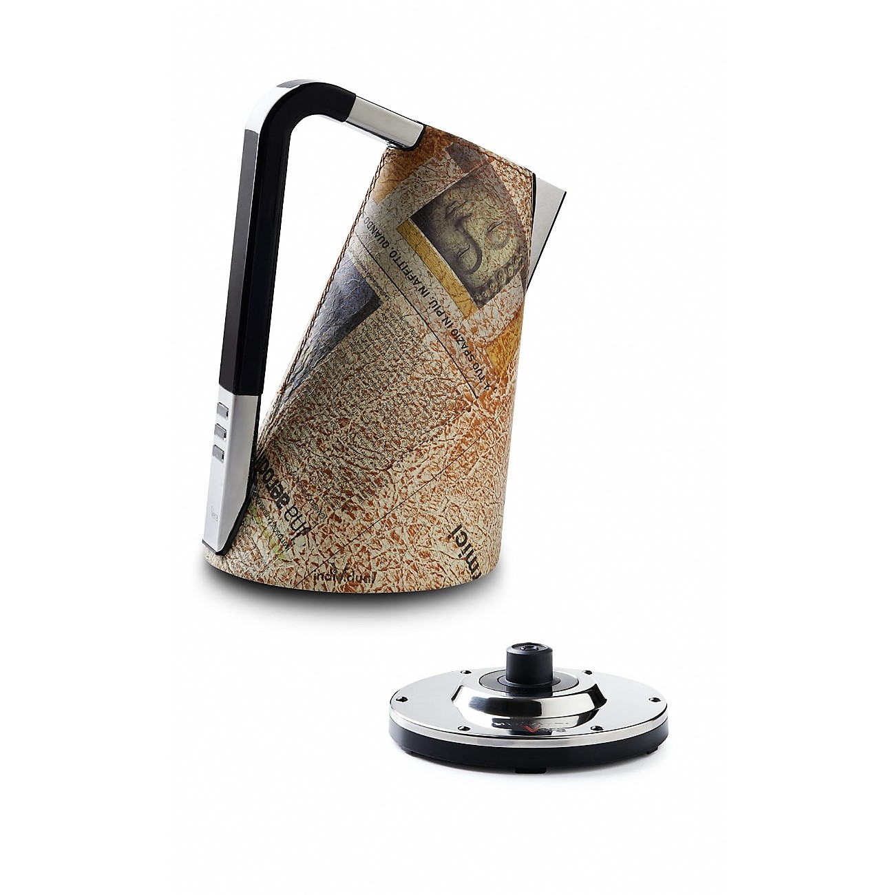 Bugatti Kettle with leather and newspaper look