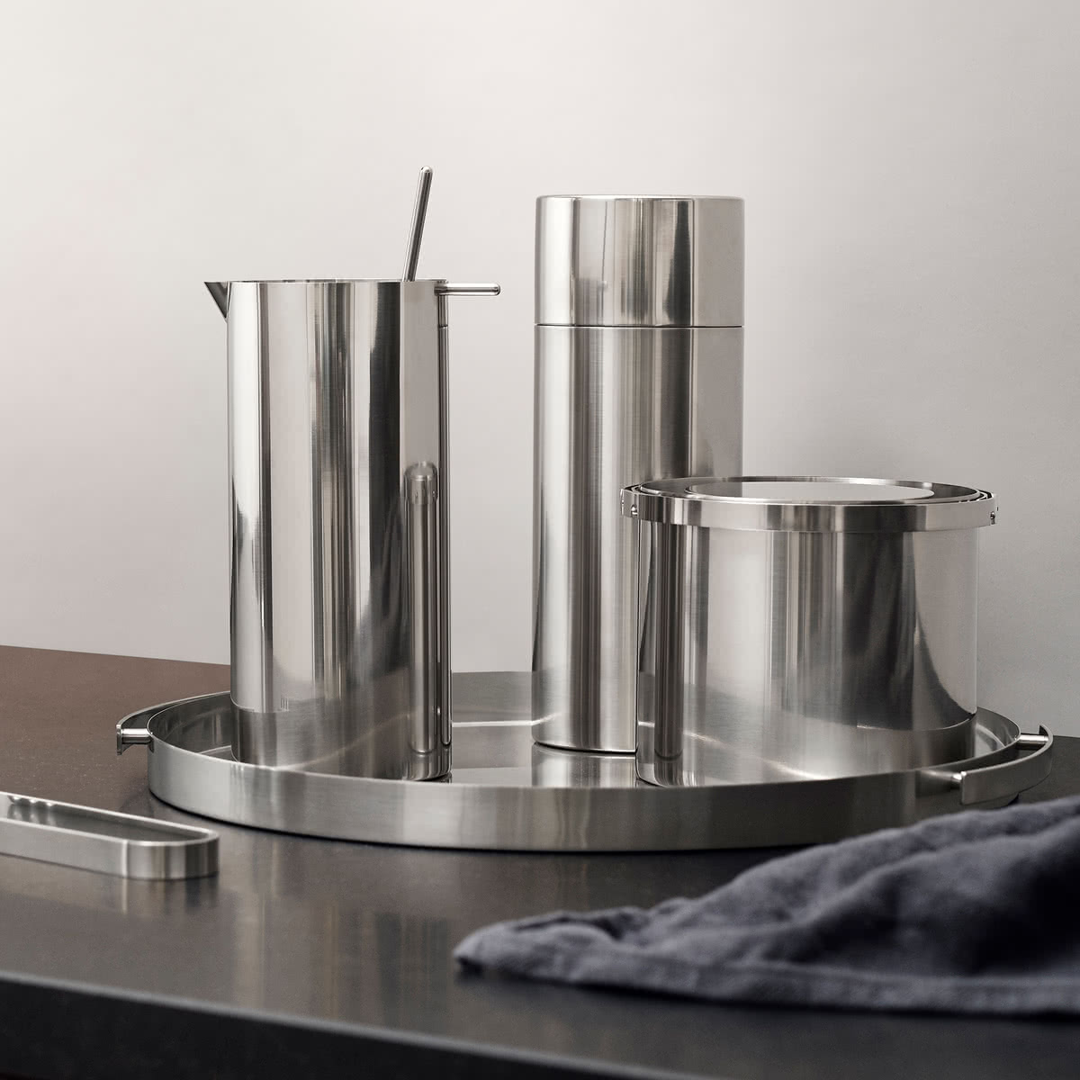 Stelton - Cylinda Cocktail Shaker, Cocktail Shaker with Spoon, ice Bucket, ice tongs and serving tray 2