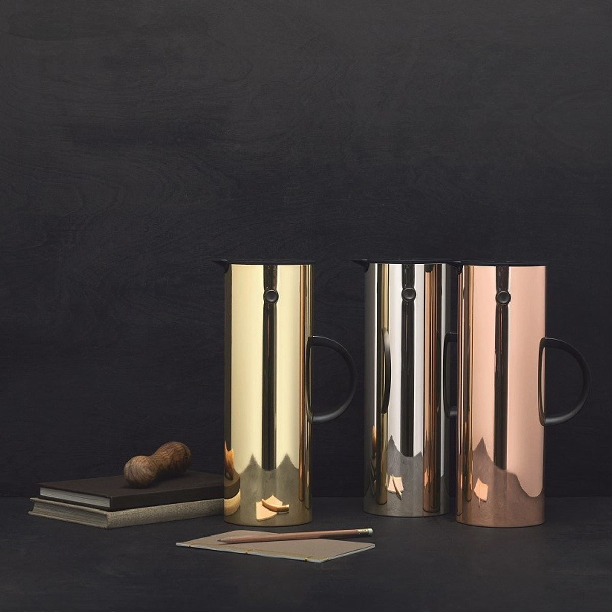 Stelton Classic EM77 Metallic Vacuum jug in brass, cooper and mirror